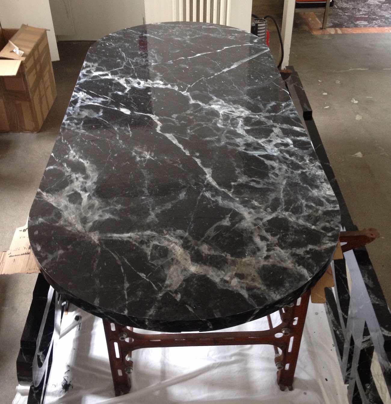 Faux marbre peint sur table studio job paris studio - Papier peint faux marbre ...