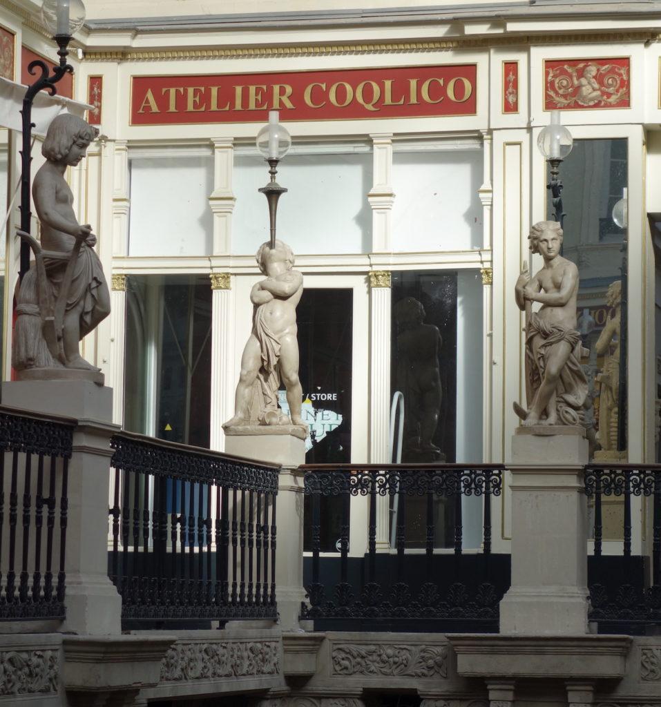 Lettrage peint atelier coqlico, passage pommeraye Nantes