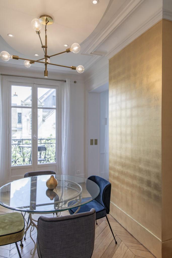 Gilding in an Parisian apartment
